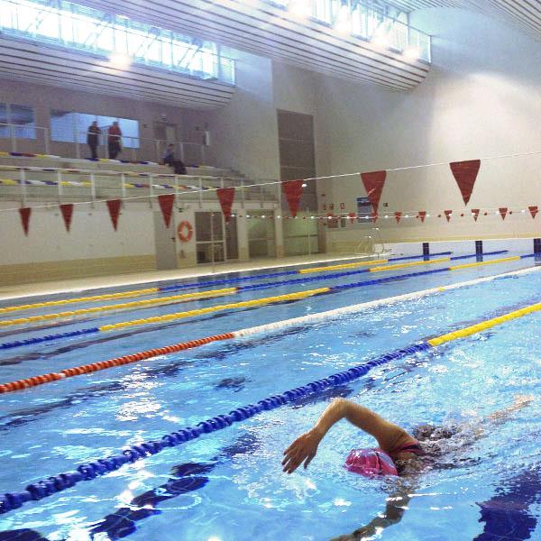 Sca inauguraci n de la nueva piscina cubierta fccd for Piscina 02 granada