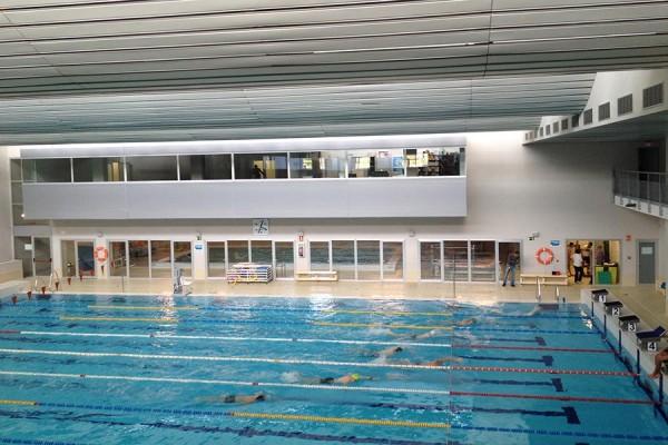 Sca sca inspecciona la exitosa piscina cubierta de la for Piscina la granada